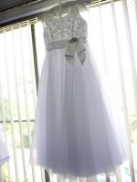 Stunning Mon Cheri Flower Girls Dress size 7