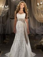 BRAND NEW STUNNING MARTINA LIANA WEDDING GOWN