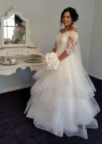 STUNNING White lace, 3/4 sleeves and tulle wedding gown