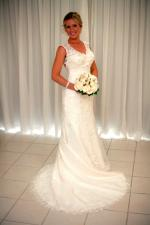 Absolutely Stunning Wedding Dress by Essense of Australia