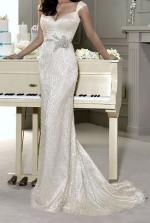 Stunning and Elegant Wedding Gown by Designer Fara Sposa